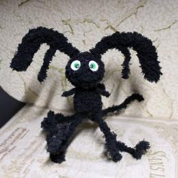 Фото Странный заяц игрушка