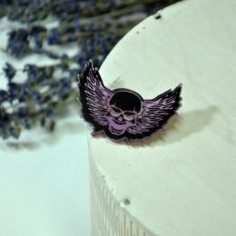 Фото Брошь череп с крыльями