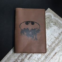 Фото Обложка кожаная на паспорт Бэтмен