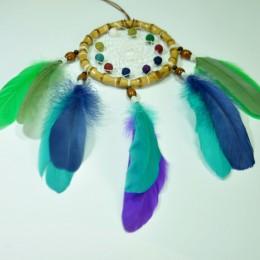 Фото Красивый ловец снов с разноцветными перьями