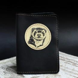 Фото Чёрная обложка на паспорт Хорёк