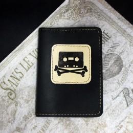 Фото Чёрная обложка на паспорт Кассета и кости