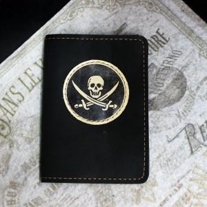 Фото Чёрная обложка на паспорт Весёлый Роджер
