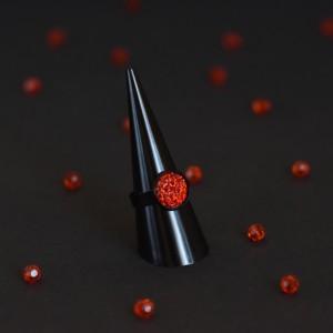 Фото Кольцо красное с имитацией друзы
