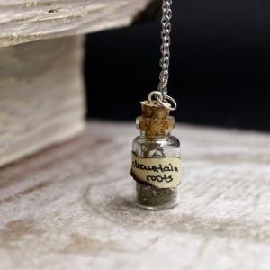 Фото Кулон бутылочка Корни гор