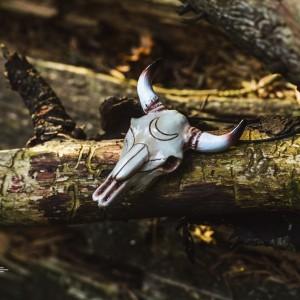 Фото Кулон Череп быка с полумесяцем