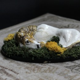 Фото Единорог белый с золотой гривой