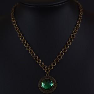 Фото Медальон круглый с зеленым стеклом