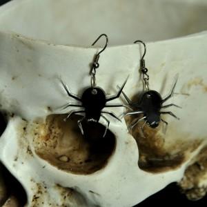 Фото Серьги чёрные пауки из оргстекла