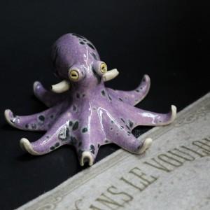Фото Фигурка фиолетового осьминога