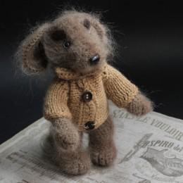 Фото Игрушка вязаная Пёс Шерлок