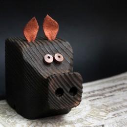 Фото Фигурка Свин большой деревянный (в ассортименте)