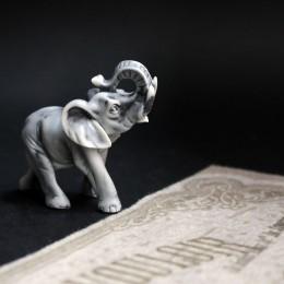 Фото Статуэтка маленькая Слоник с поднятым хоботом