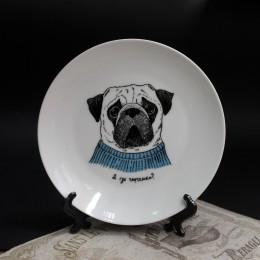 Фото Тарелка сувенирная на подставке Грустный мопс - А где тяфтельки
