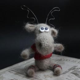 Фото Игрушка вязаная рождественский Олень