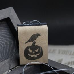 Фото Кулон-книга Ворон на тыкве. Хеллоуин