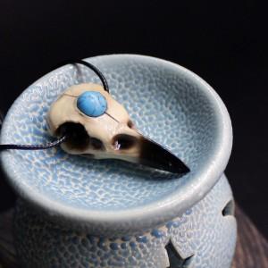 Фото Кулон Череп вороны с бирюзой