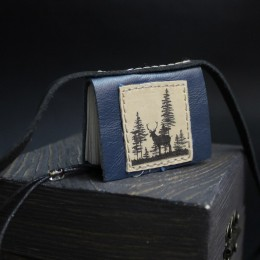 Фото Кулон-книга Олень в лесу