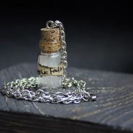 Фото Кулон-бутылочка Перо ангела