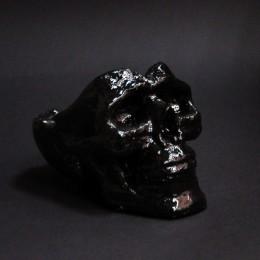 Фото Чёрная пепельница череп