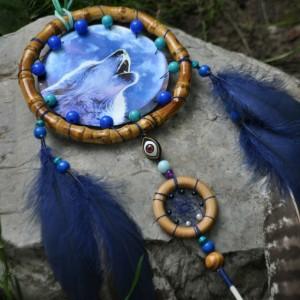 Фото Синий ловец снов с волком и луной