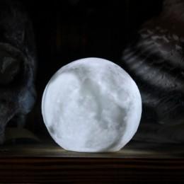 Фото Луна маленькая ночник на батарейках