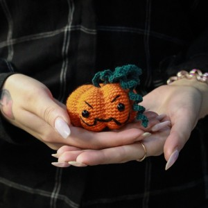 Фото Игольница Оранжевая тыковка ручной работы