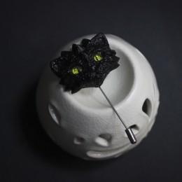 Фото Брошка черный дракот с жёлтыми глазами