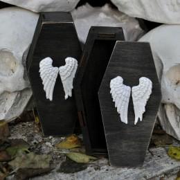 Фото Шкатулка-гробик с крыльями