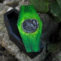Фото Шкатулка Чужой в форме гроба