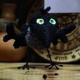 Фото Воронёнок игрушка на каркасе