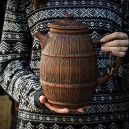 Фото Большой кувшин в виде чайника-бочки
