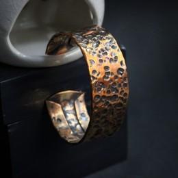 Фото Медный браслет незамкнутое кольцо
