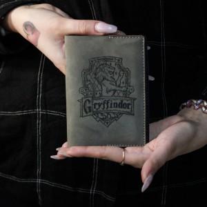 Фото Обложка для паспорта Гриффиндор