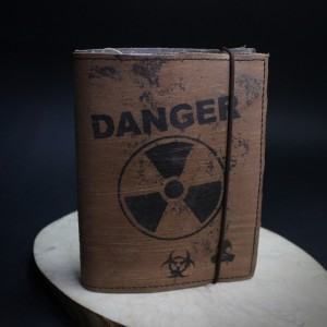 Фото Кожаный блокнот Радиация