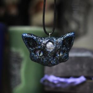 Фото Кулон синий кот Трёхглаз