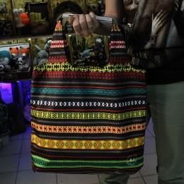 Фото Шоппер с яркими узорами Мексика
