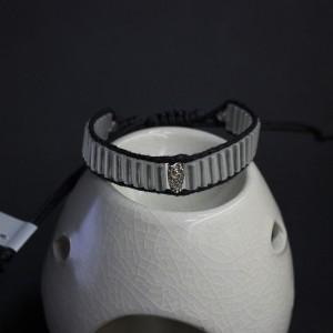 Фото Светящийся в темноте браслет с совой