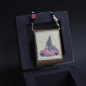 Фото Кулон Красная машина с ёлкой
