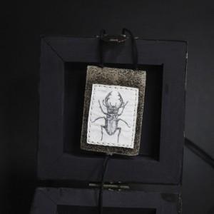 "Фото Кулон маленький блокнотик ""Жук-олень"""