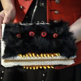 Фото Зубастая книга - Чудовищный блокнот с красными глазами Морган