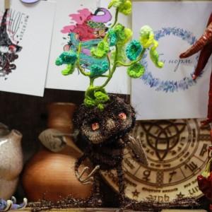 Фото Мандрагора игрушка на каркасе