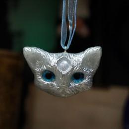 Фото Кулон Кот с голубыми глазами Снежок
