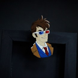 Фото Брошь Десятый Доктор в стерео очках (Doctor Who)