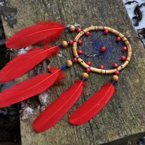 """Фото Ловец снов с красными перьями """"Рубины лесных фей"""""""