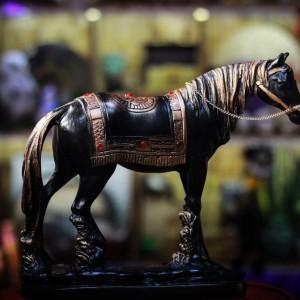 Фото Настольная скульптура - Конь вороной 27 см