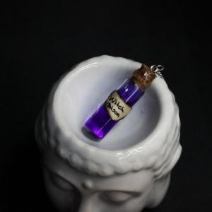 """Фото Кулон фиолетовый пузырёк """"Ведьмин Яд"""""""