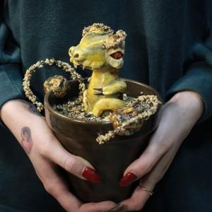 Фото Дракончик в горшке Камени фэнтези декор комнаты
