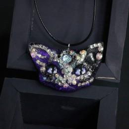 Фото Кулон кот чёрно-фиолетовый с блёстками