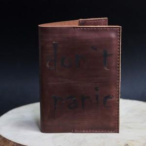 Фото Обложка на паспорт Don't Panic